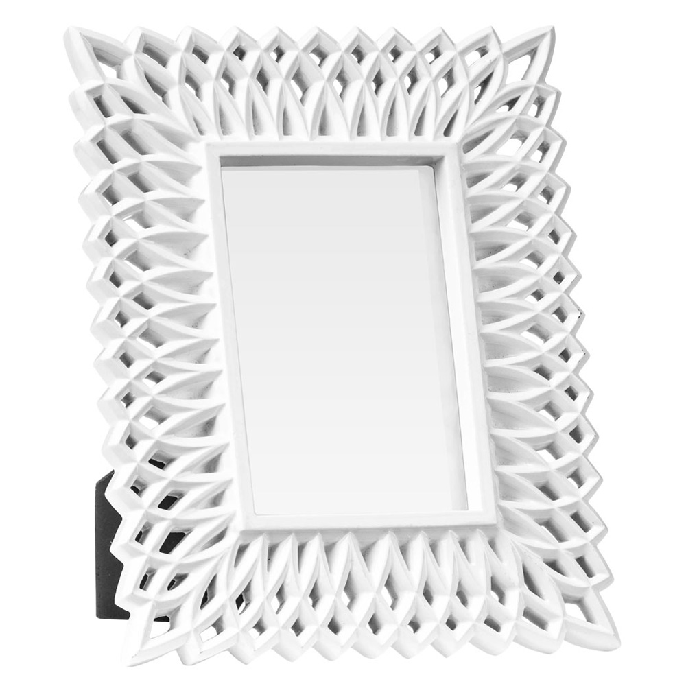 FLUTE - Filigree Effect Freestanding 6 x 4 Single Photo / Picture Frame - White